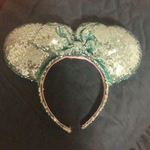 Mint Minnie ears!